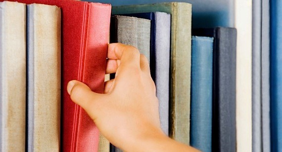 choosing-books-1